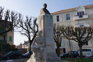Brétigny - monument à Gabriel Chevrier